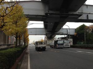 若潮通り JR京葉線高架下
